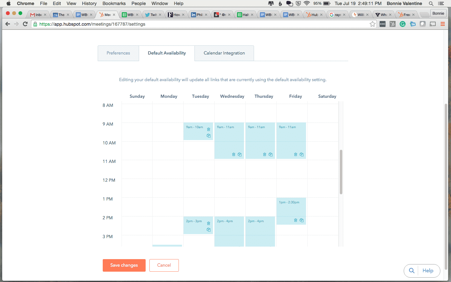 Screenshot of HubSpot meeting tool showing calendar availability